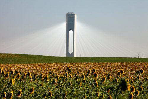 Torre solar en Sanlúcar la Mayor, cerca de Sevilla