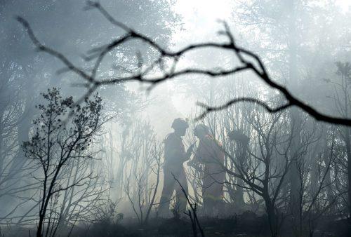 Bomberos forestales en el incendio de Ejulve, en la provincia de Teruel, Aragón