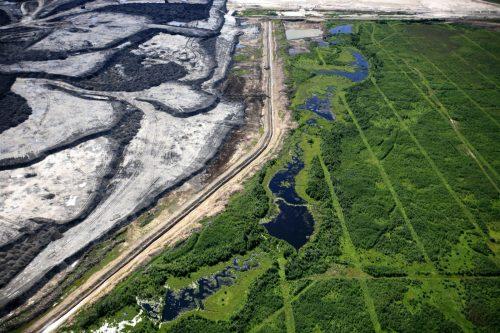 arenas bituminosas Seismic Line in Alberta Tar Sands
