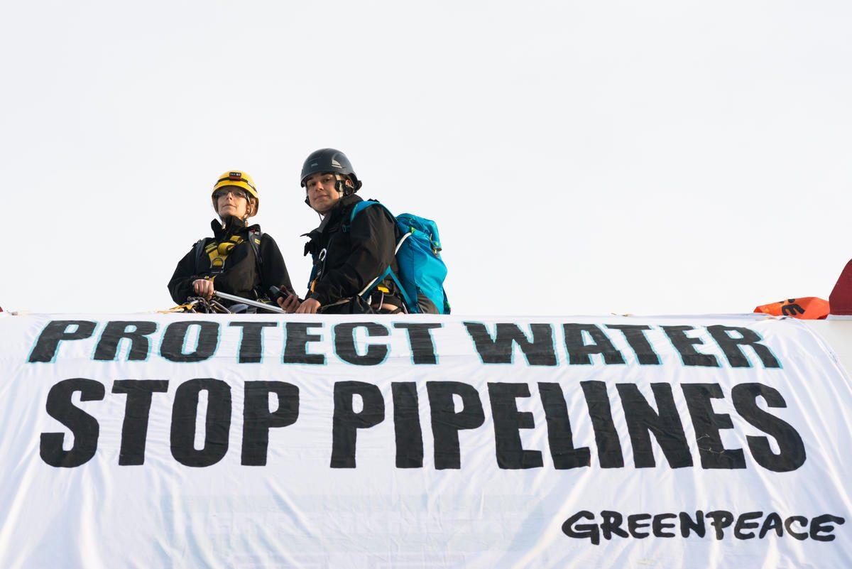 Protesta contra oleoductos en la Columbia Británica