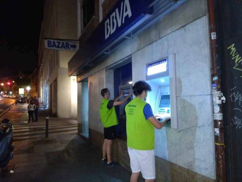 Actividad en los cajeros de Madrid sobre la financiación del BBVA a empresas de construcción de oleoductos
