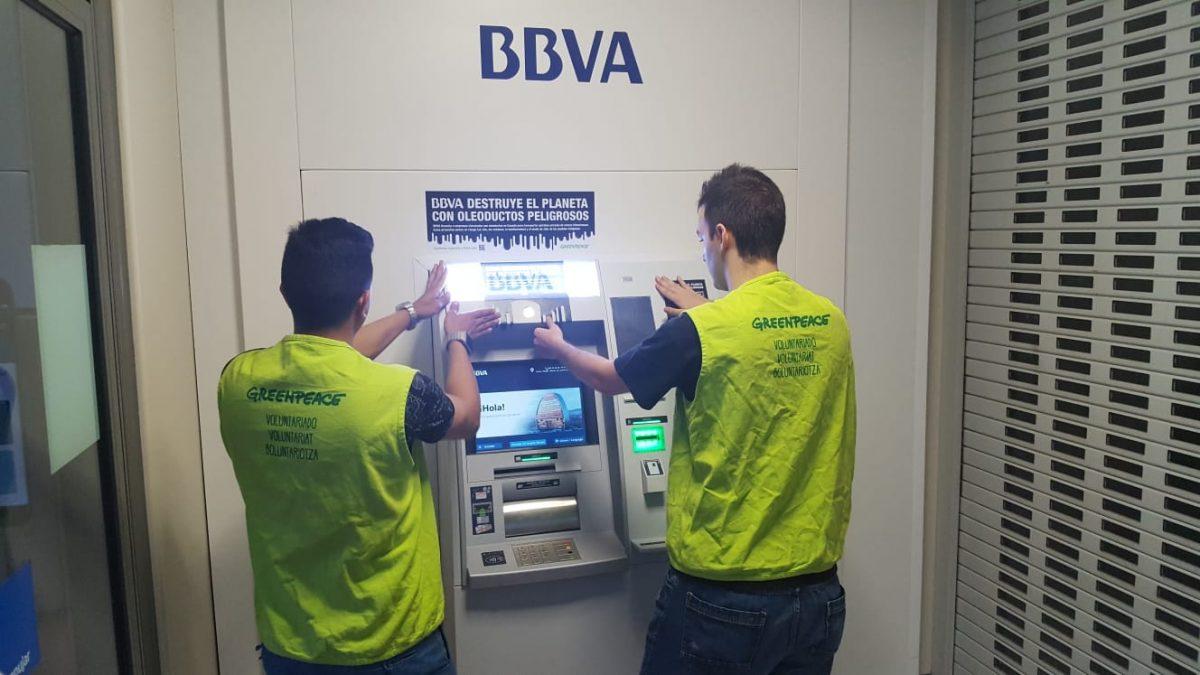 Actividad en cajeros de Murcia contra los oleoductos peligrosos