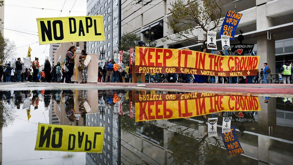 Marcha contra el oleoducto de Dakota