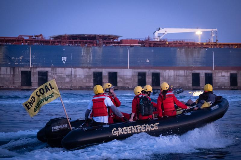 Acción contra el carbón en la central térmica de Los Barrios