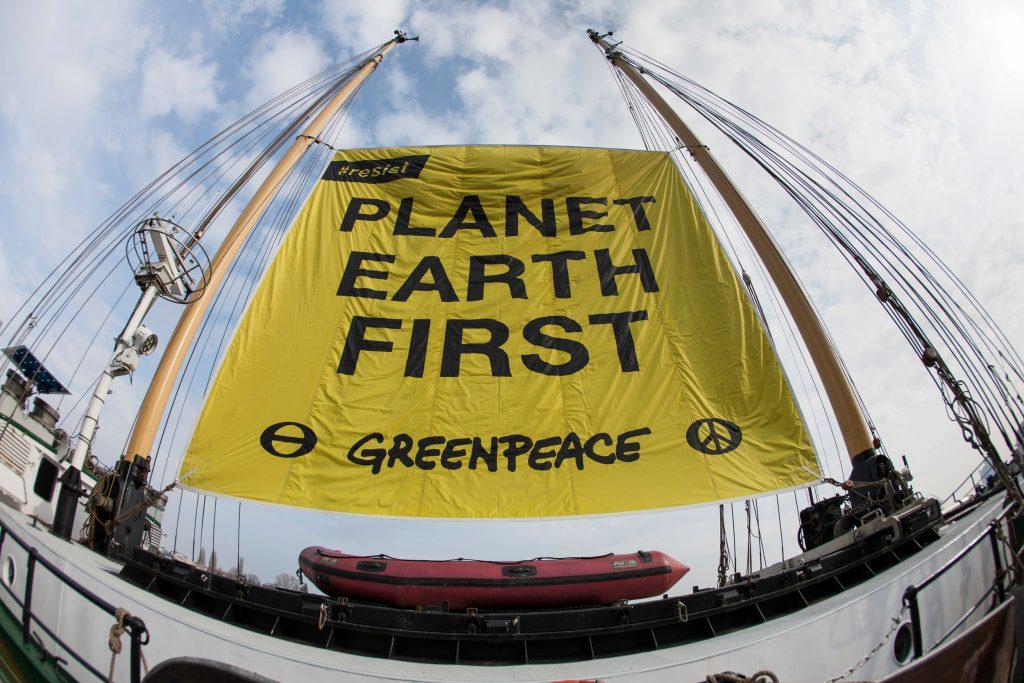 Acción el planeta primero