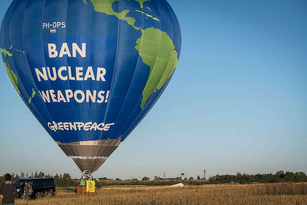 Protesta de Greenpeace contra el armamento nuclear