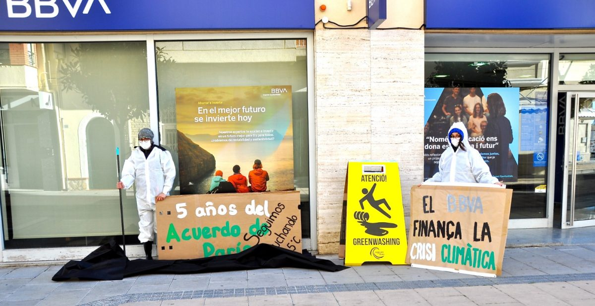 Protesta en Cambrils en BBVA