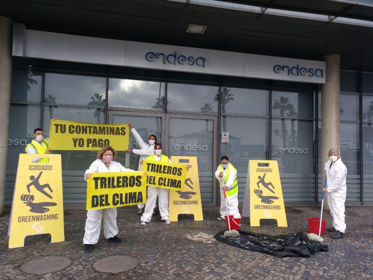 Protesta en Endesa en Las Palmas de Gran Canaria