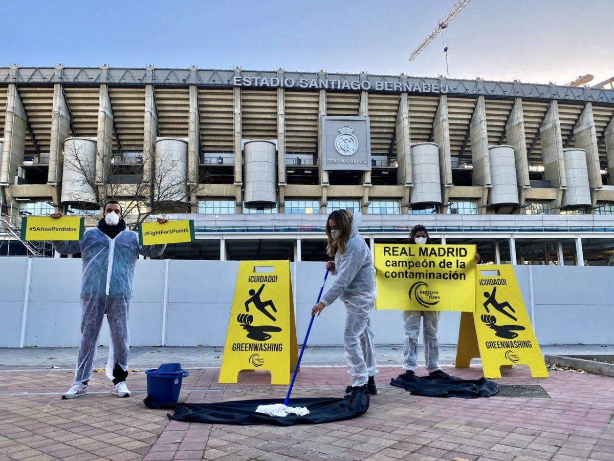Protesta ante el Real Madrid