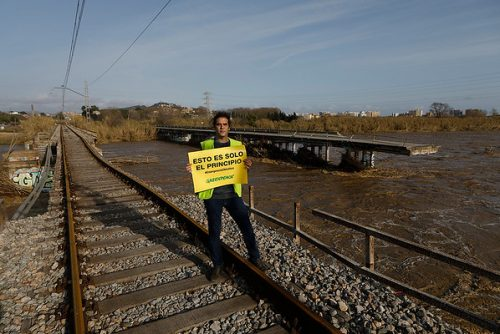 Greenpeace visita el temporal Gloria