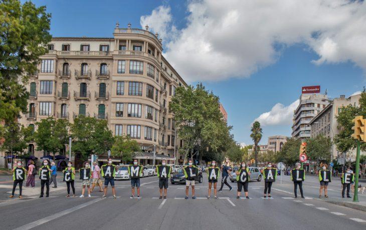 Voluntarios Greenpeace acción en calle