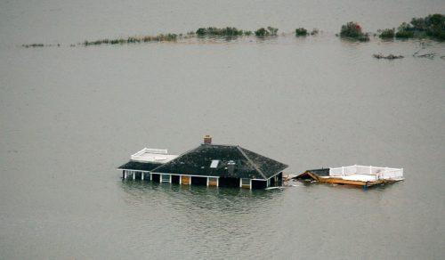 Un edificio inundado cerca de la costa de Nueva Jersey tras el huracán Sandy.