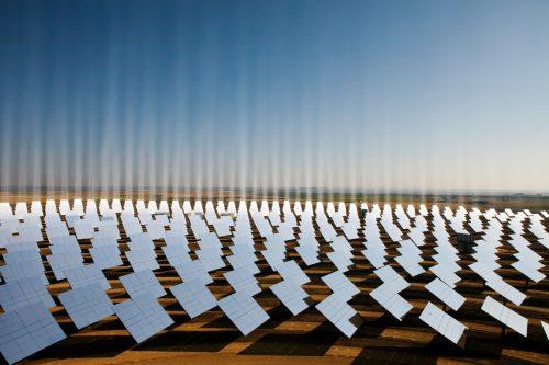 Paneles solares en Sanlúcar la Mayor, cerca de Sevilla